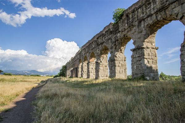 Roman Catacombs Walking T