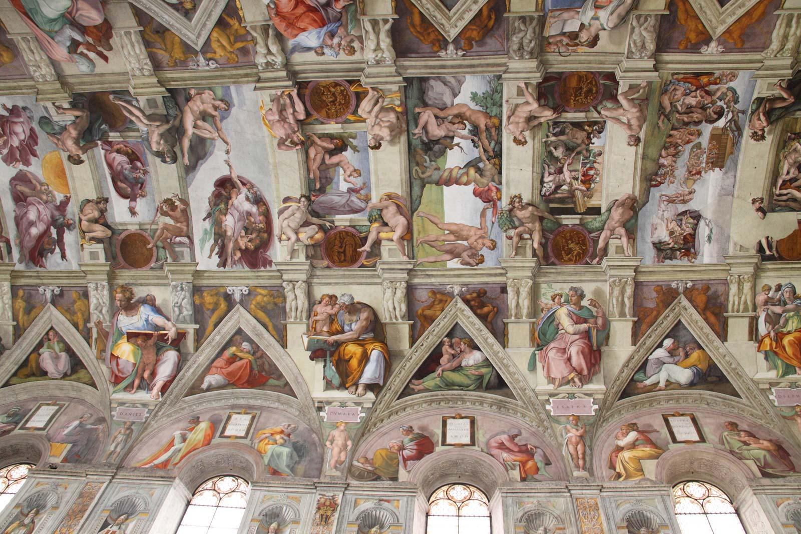 Admirez les fresques incroyables de Michel-Ange au sein de la Chapelle Sixtine – Le Jugement dernier et La Création d'Adam- l'un des plus grands chefs d'œuvres de la Renaissance. Vous pourrez prendre tout le temps que vous le souhaitez pour admirer cette incroyable œuvre d'art.
