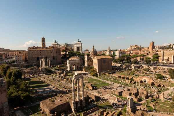 Descubre la Colina del Palatino, una de las siete colinas de la antigua Roma, y se testigo de algunas de los panoramas más majestuosos de Roma, la Ciudad Eterna.