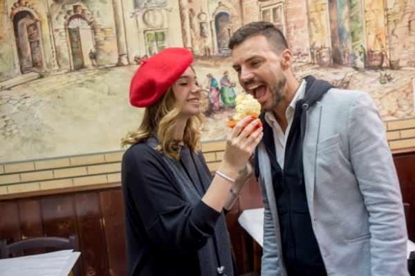Lors du prochain arrêt de cette tournée gastronomique, vous pourrez goûter la spécialité de Rome, le « baccalà fritto » (morue frite).
