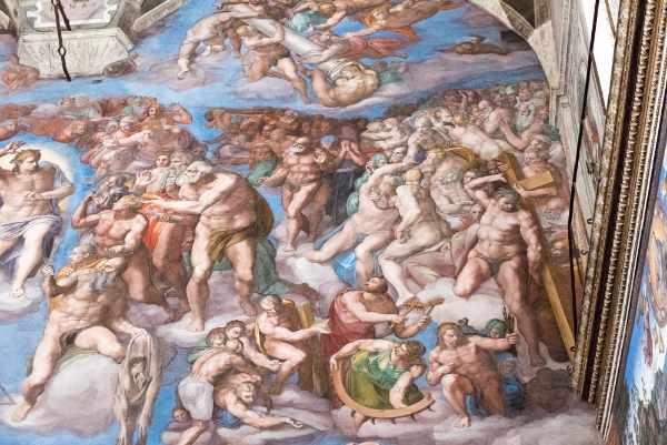 Ultimo, ma non meno importante, è la Cappella Sistina. Un assoluto must-see a Roma, scoprirete stupefacenti opere d'arte tra cui il 'Giudizio Universale' di Michelangelo, il più grande affresco mai dipinto. Durante la visita di queste innumerevoli meraviglie, la nostra guida vi racconterà aneddoti e segreti sui famosi capolavori di questo tour mozzafiato.