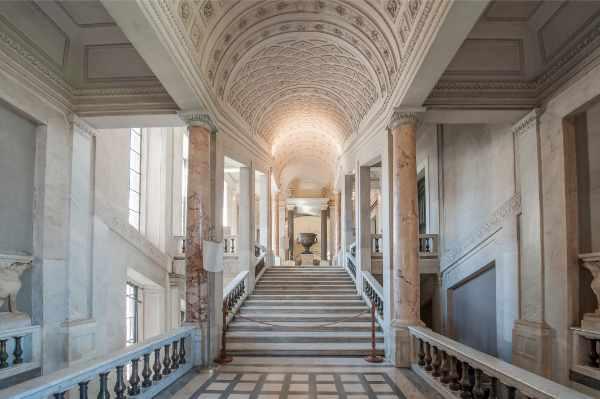 这趟免排队梵蒂冈博物馆之旅,让您有足够的时间探索梵蒂冈最重要的景点,之后还可以参观神奇的西斯廷教堂。