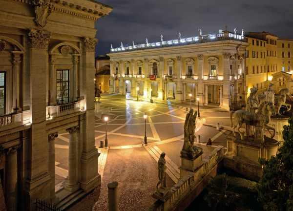 我们从卡托皮林山离开古老世界,继续前往威尼斯广场,您可在那观赏维托里亚诺 — 这是罗马最让人叹为观止的遗迹和游览景点。