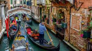 Walking Tour and Gondola